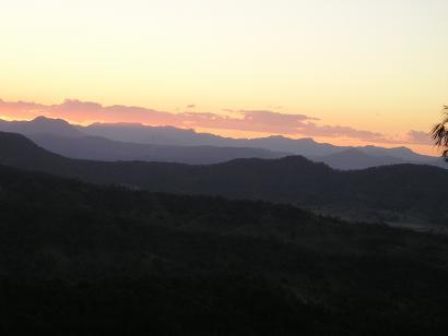 ラミントン国立公園からの夕焼け